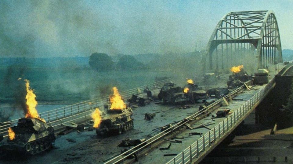 A BRIDGE TOO FAR (1977)